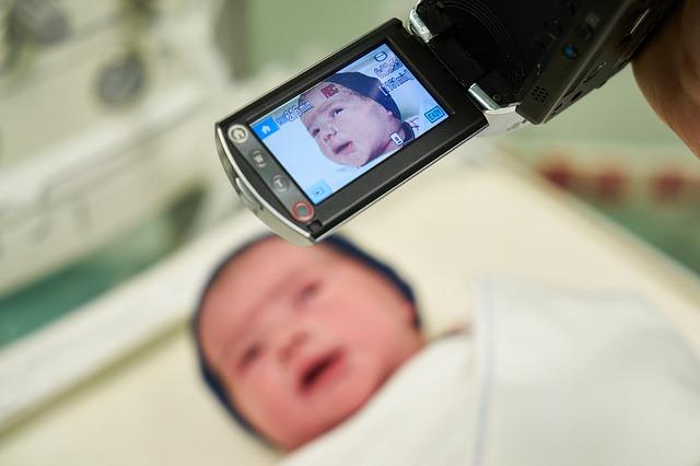 natáčení novorozence