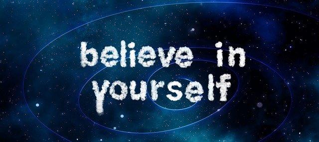 """citát """"věř si"""""""
